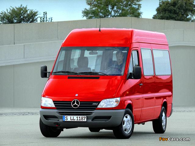 Images of Mercedes-Benz Sprinter 2000–06 (640 x 480)