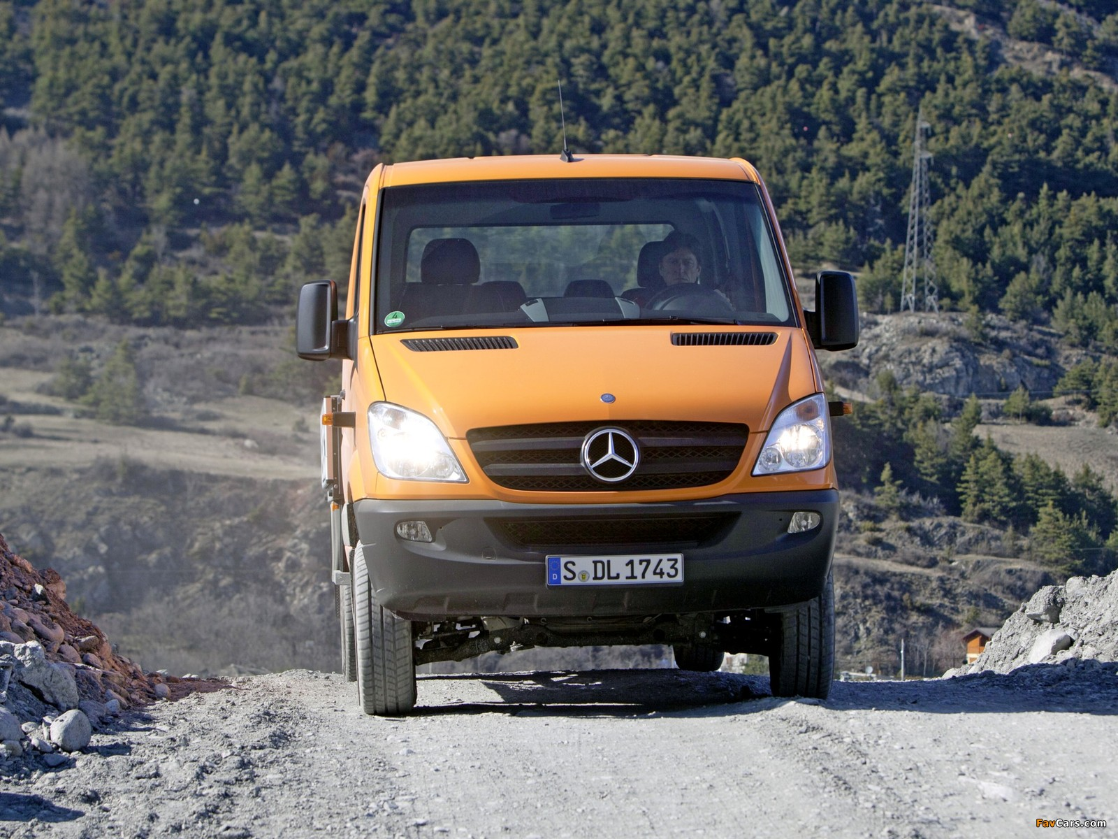 Images of Mercedes-Benz Sprinter Double Cab Dropside 4x4 (W906) 2009–13 (1600 x 1200)