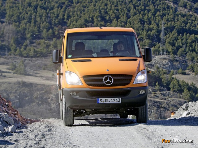 Images of Mercedes-Benz Sprinter Double Cab Dropside 4x4 (W906) 2009–13 (640 x 480)