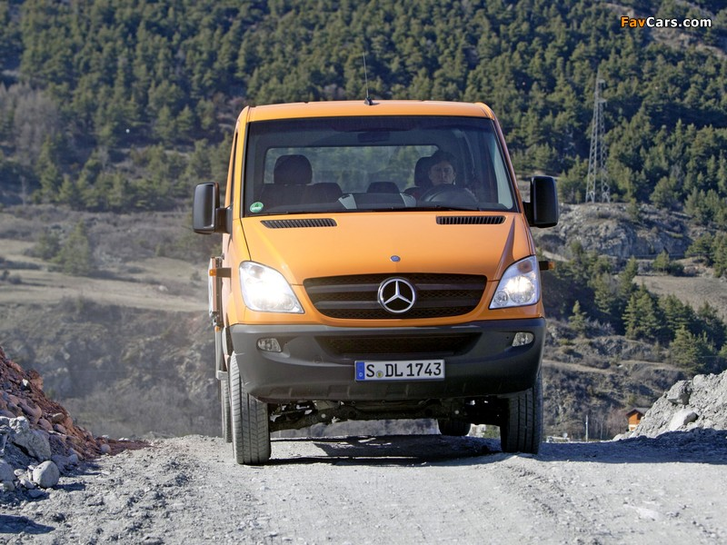 Images of Mercedes-Benz Sprinter Double Cab Dropside 4x4 (W906) 2009–13 (800 x 600)