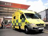 Mercedes-Benz Sprinter Ambulance UK-spec 2002–06 images