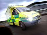 Mercedes-Benz Sprinter Ambulance UK-spec 2002–06 photos
