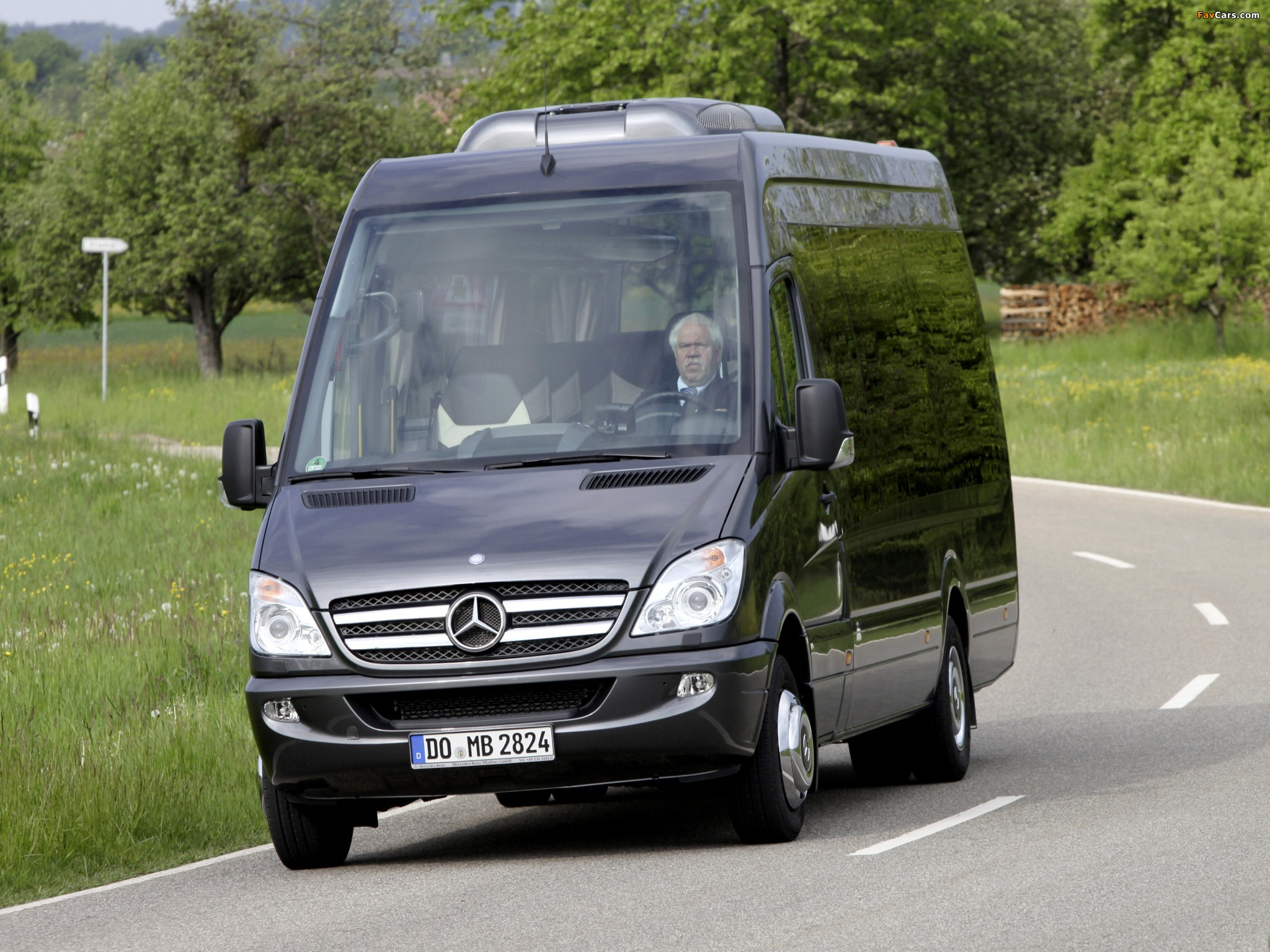 photos of mercedes benz sprinter travel 65 w906 2006. Black Bedroom Furniture Sets. Home Design Ideas