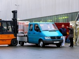 Pictures of Mercedes-Benz Sprinter Double Cab Pickup 1995–2000