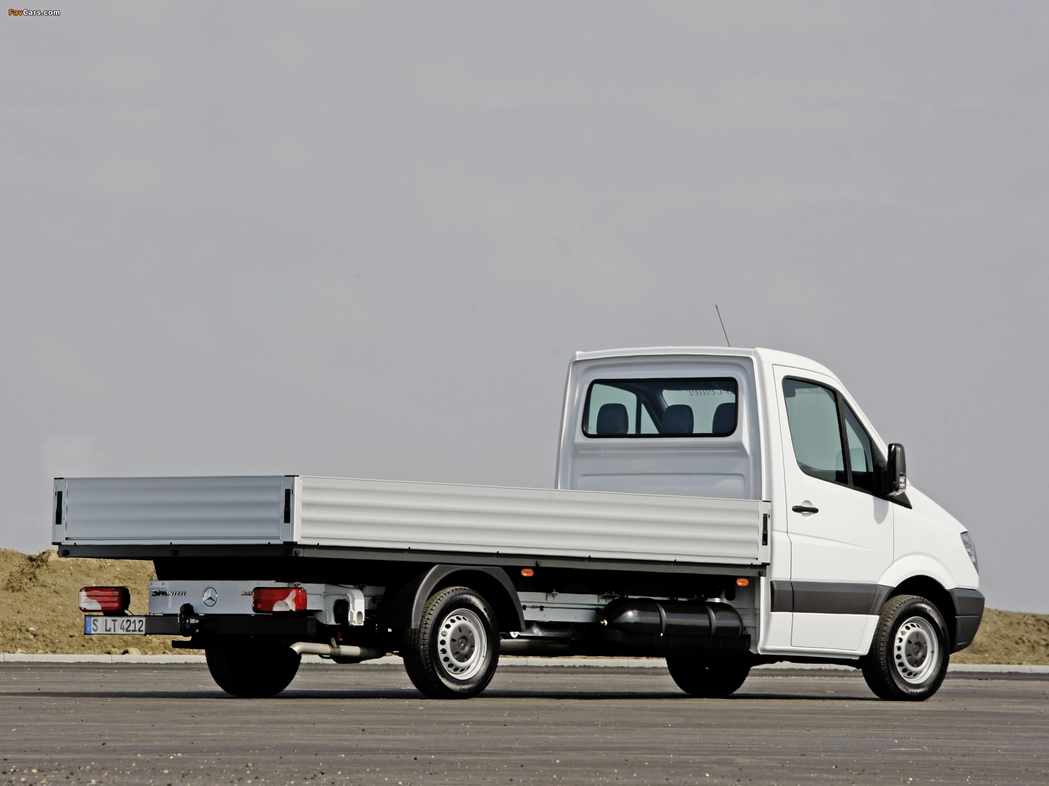 Pictures of Mercedes-Benz Sprinter Dropside (W906) 2006–13 (2048 x 1536)