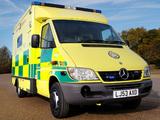 Mercedes-Benz Sprinter Ambulance UK-spec 2002–06 wallpapers