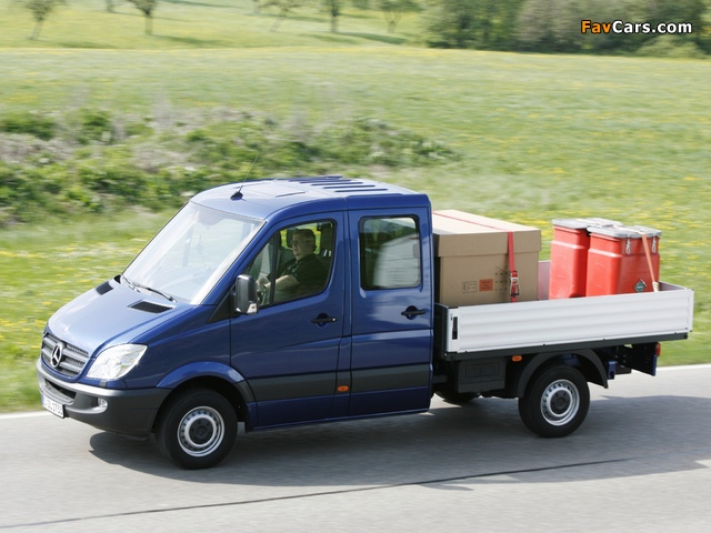 Mercedes-Benz Sprinter Double Cab Dropside (W906) 2006–13 wallpapers (640 x 480)
