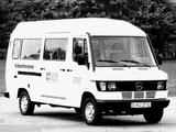 Images of Mercedes-Benz T1 208D 1989–95
