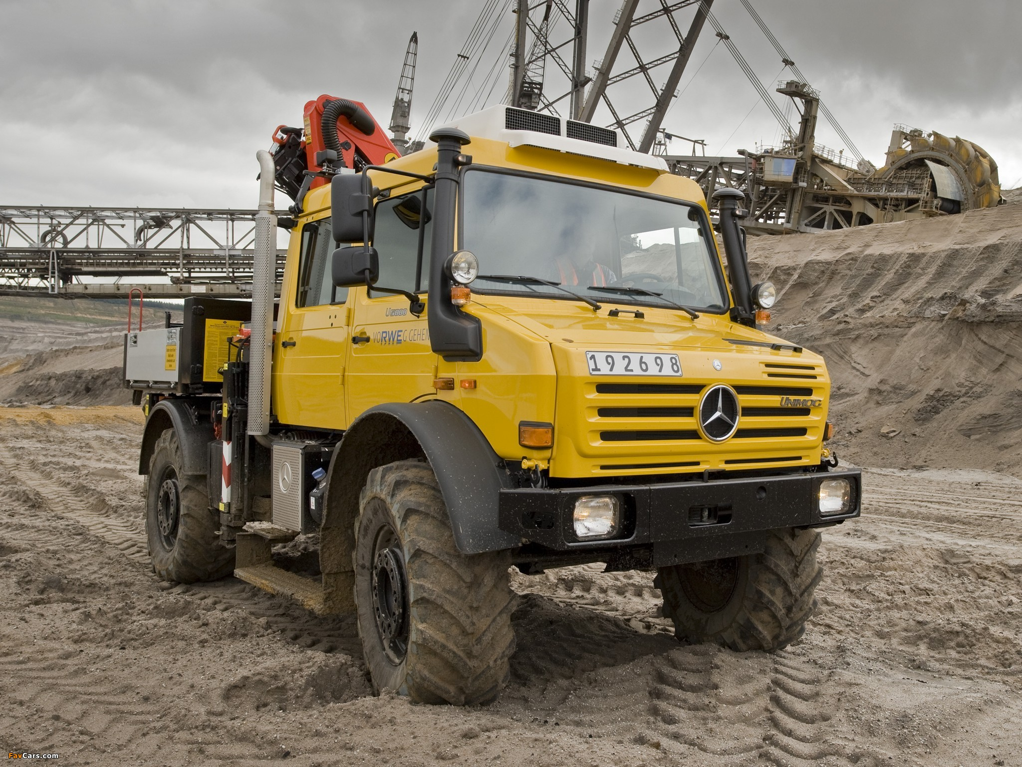 Mercedes-Benz Unimog U5000 L Double Cab 2000–13 images ...