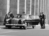 Mercedes-Benz 200 D Taxi (W110) 1965–68 wallpapers