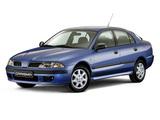 Mitsubishi Carisma 5-door 1999–2004 photos