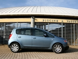 Images of Mitsubishi Colt 5-door 2008