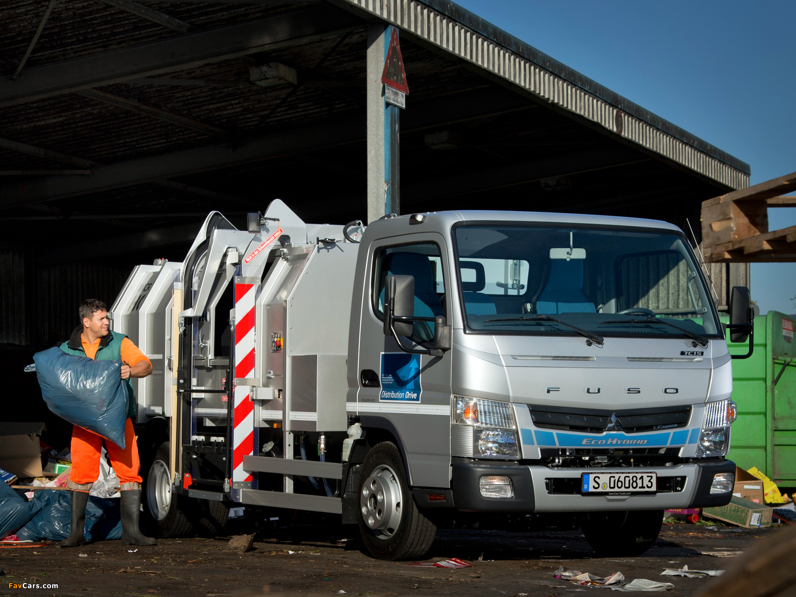 Images of Mitsubishi Fuso Canter 7C15 Eco Hybrid (FE7) 2012 (1600 x 1200)