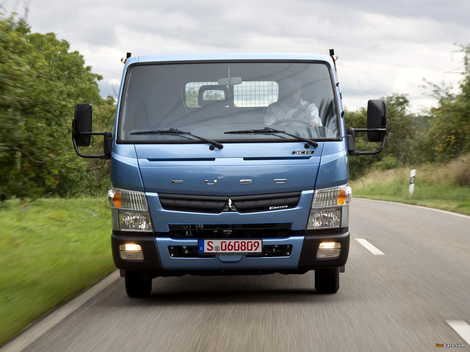 Mitsubishi Fuso Canter (FE7) 2010 pictures (1600 x 1200)