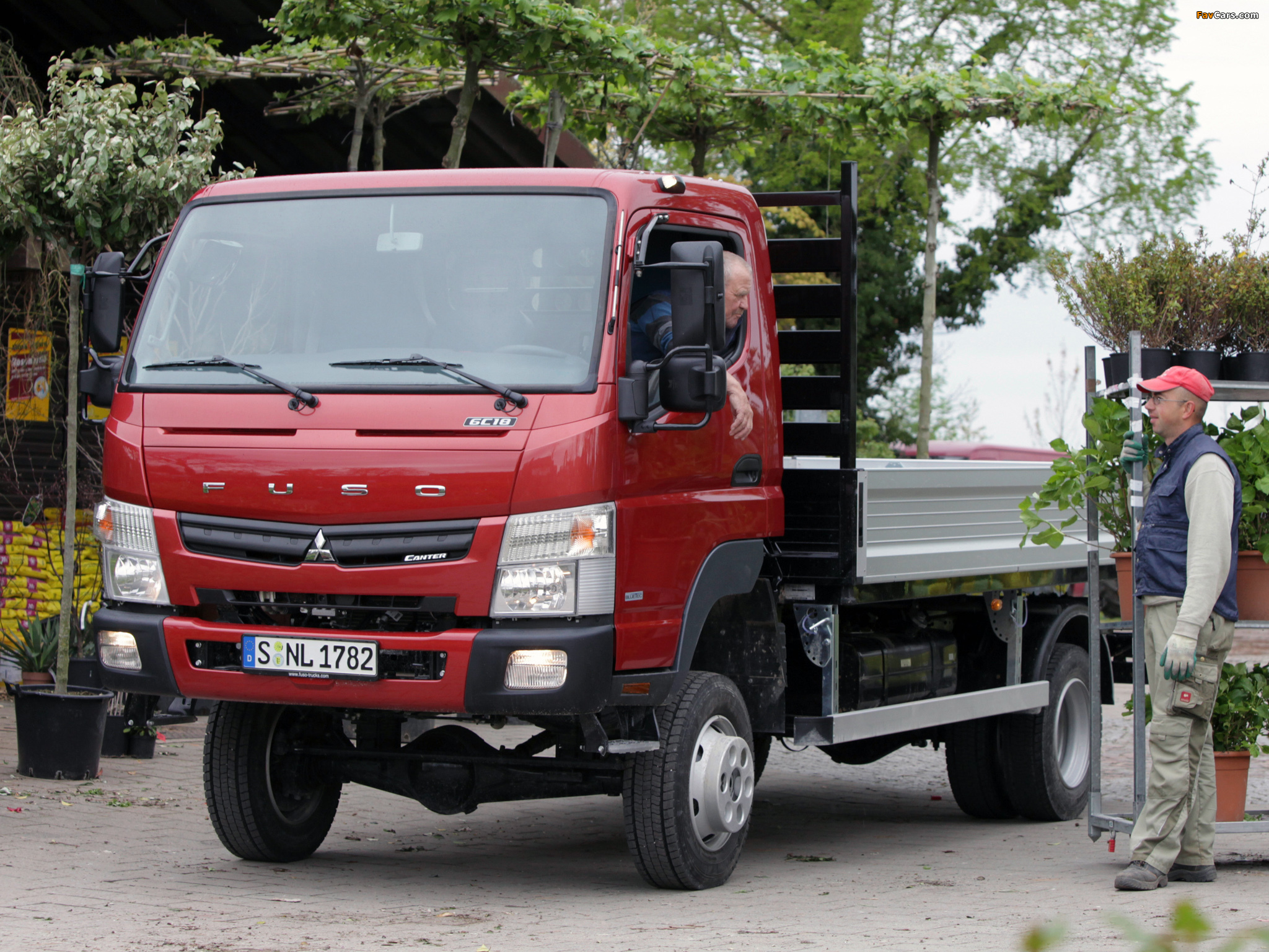 Pictures of Mitsubishi Fuso Canter 6C18 (FG7) 2011 (2048 x 1536)