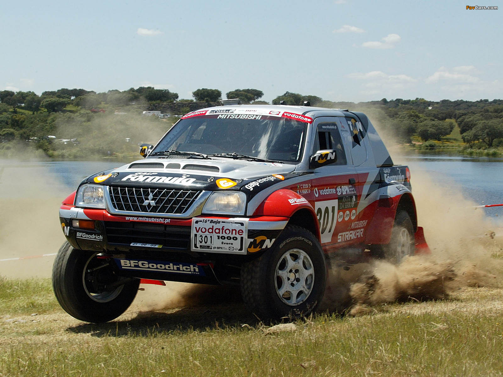 Mitsubishi L200 Strakar Super Production Cross Country Car 2003 Wallpapers