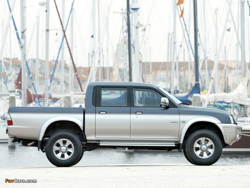 Mitsubishi L200 4Life Double Cab 2005–06 pictures (800 x 600)