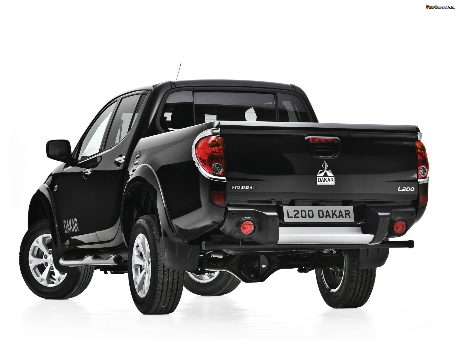 Mitsubishi L200 Dakar 2012 images (1600 x 1200)
