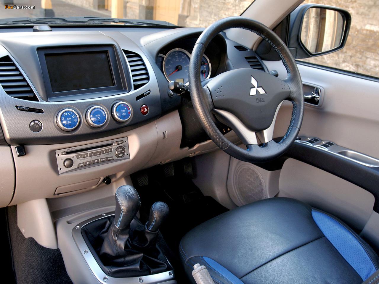 Photos of Mitsubishi L200 Animal UK-spec 2006–10 (1280 x 960)