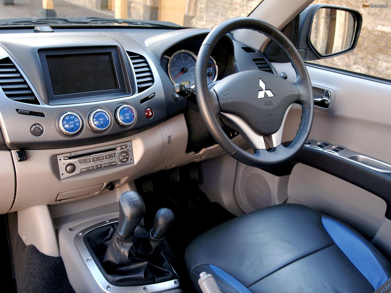 Photos of Mitsubishi L200 Animal UK-spec 2006–10 (1600 x 1200)
