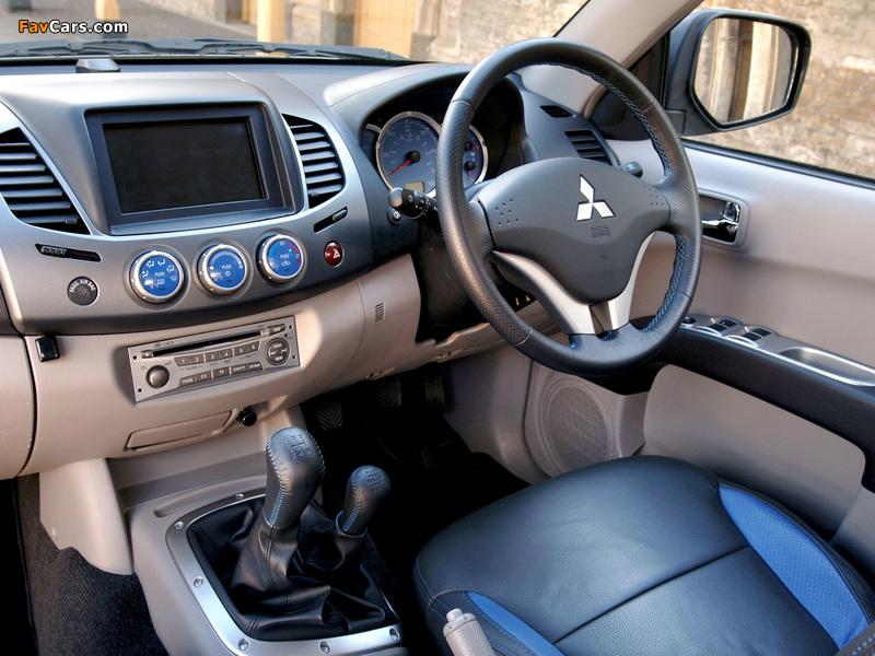 Photos of Mitsubishi L200 Animal UK-spec 2006–10 (800 x 600)