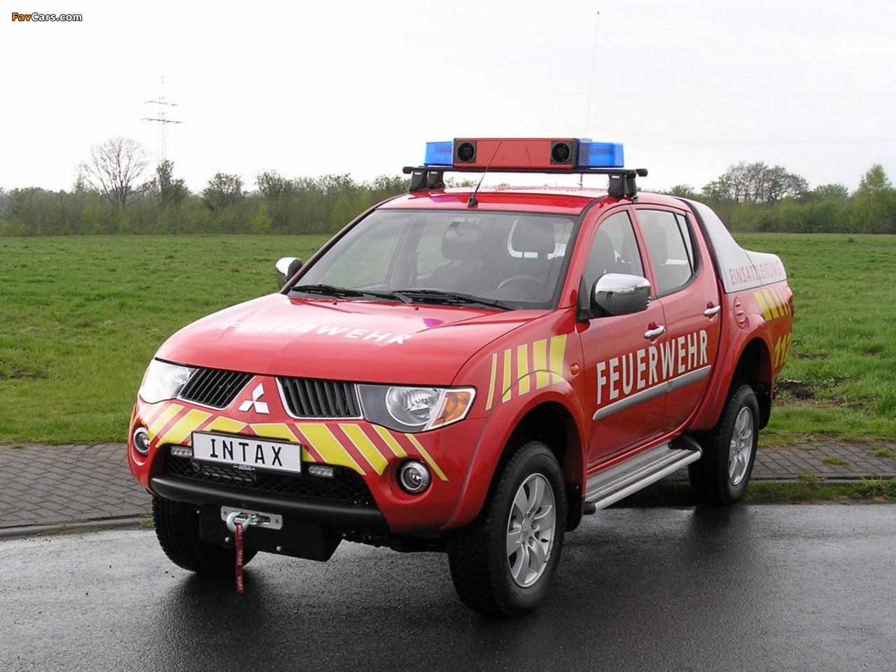 Photos of Mitsubishi L200 Double Cab Feuerwehr 2006–10 (1280 x 960)