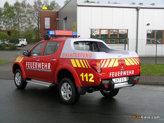 Pictures of Mitsubishi L200 Double Cab Feuerwehr 2006–10 (640 x 480)