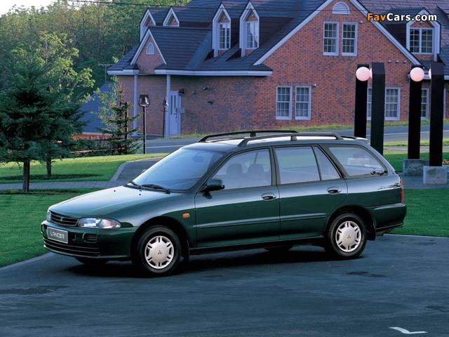 Mitsubishi Lancer Wagon 1992–2000 images (640 x 480)