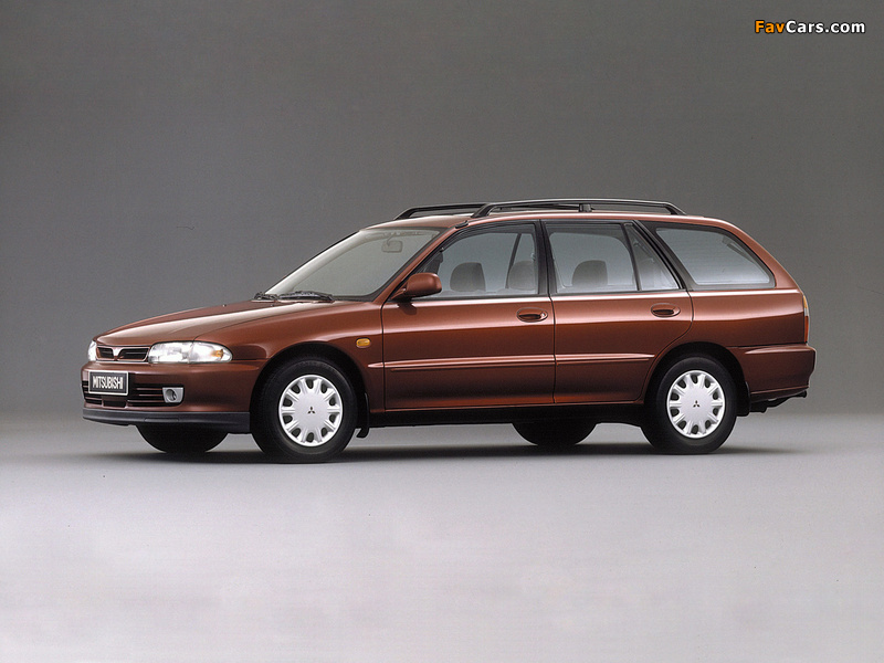 Pictures of Mitsubishi Lancer Wagon 1992–2000 (800 x 600)
