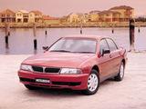Mitsubishi Magna 1996–2000 images
