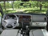 Photos of Mitsubishi Montero Sport 1999–2005