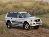 Pictures of Mitsubishi Montero Sport 1999–2005