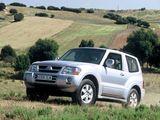 Photos of Mitsubishi Montero 3-door 1999–2006