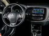 Images of Mitsubishi Outlander PHEV 2012