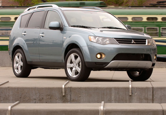 Mitsubishi Outlander US-spec 2007–09 pictures