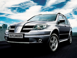 Photos of Mitsubishi Outlander 2003–06