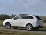 Photos of Mitsubishi Outlander UK-spec 2013