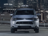 Photos of Mitsubishi Outlander US-spec 2013