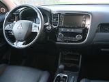 Photos of Mitsubishi Outlander 2015