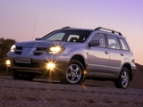 Pictures of Mitsubishi Outlander 2003–06
