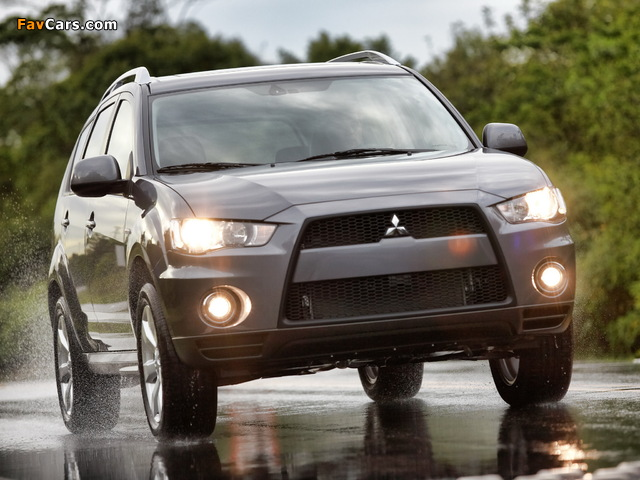 Pictures of Mitsubishi Outlander US-spec 2009 (640 x 480)