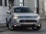 Pictures of Mitsubishi Outlander US-spec 2013