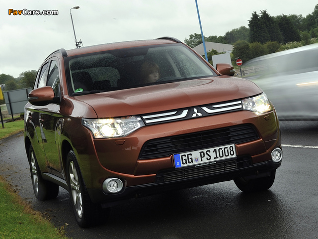Mitsubishi Outlander 2012 wallpapers (640 x 480)