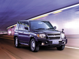 Mitsubishi Pajero iO 5-door 2000–07 wallpapers
