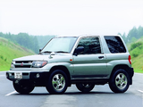 Photos of Mitsubishi Pajero iO 3-door 1998–2000