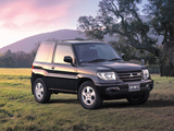 Photos of Mitsubishi Pajero iO 3-door 2000–07