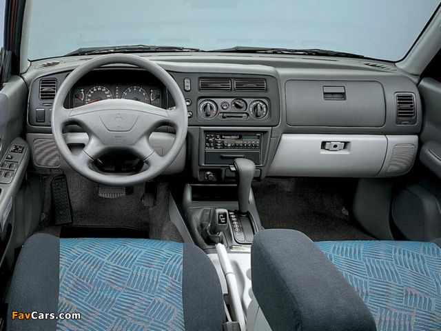 Mitsubishi Pajero Sport 1999–2005 pictures (640 x 480)
