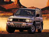 Mitsubishi Pajero Metal Top 1997–99 photos