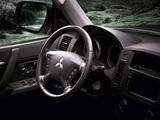 Mitsubishi Pajero 5-door 2011 images