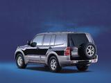 Photos of Mitsubishi Pajero LongExceed JP-spec 1999–2002